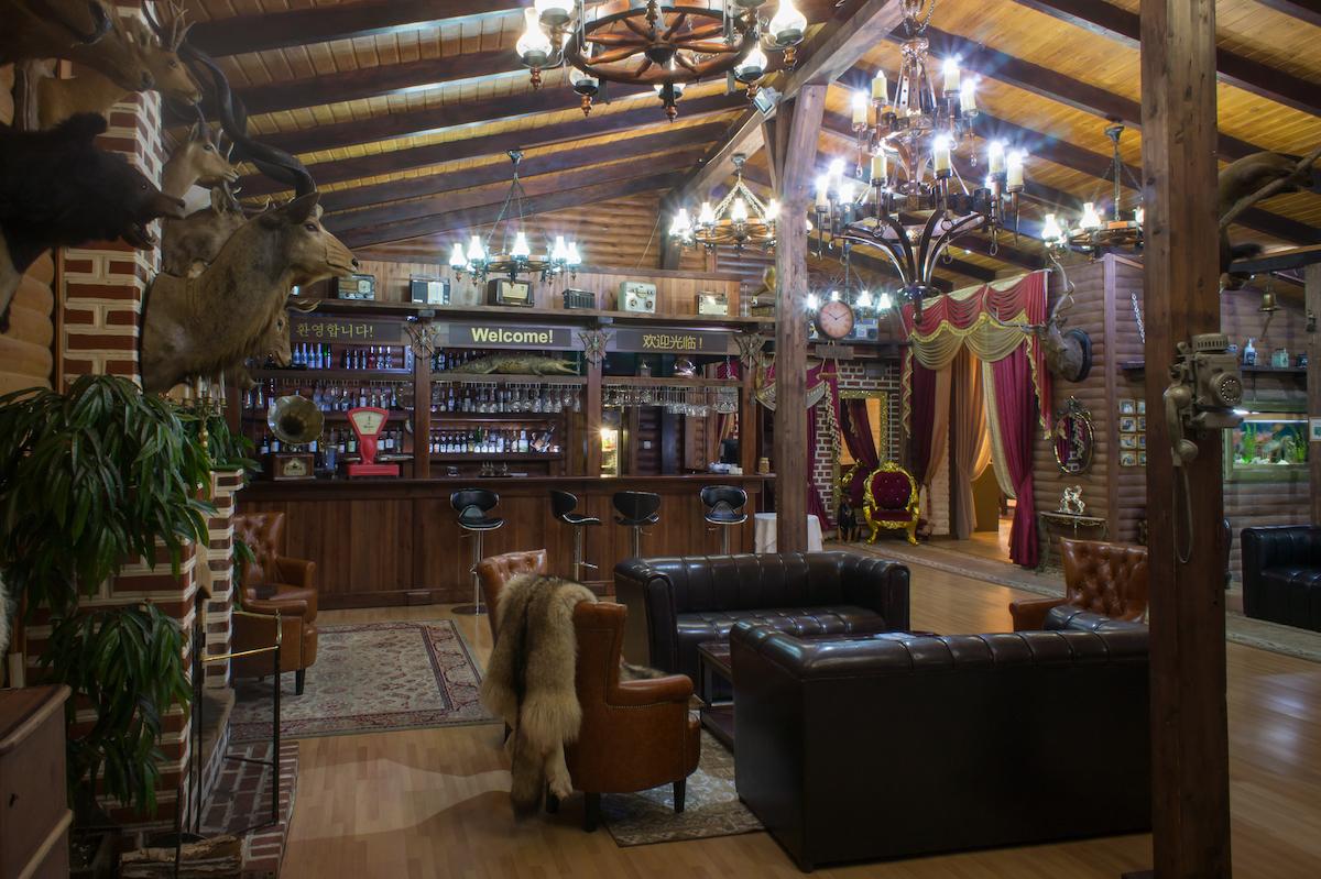 охотный двор ресторан владивосток фото